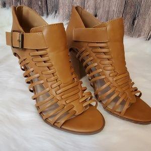 D ❤️ Ankle open toe booties size 8/8.5